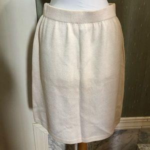 St. John off white knit skirt